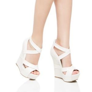 Cerys Wedge by Shoedazzle- White